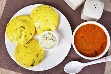 Lemon   saunf idli %283%29 with sambar and coconut chutney