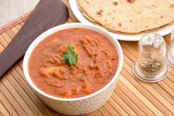Mathura ke dubki wale aloo with ghee rotis %284%29