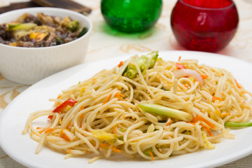 Schezwan hakka noodles with mixed exotic vegetables in teriyaki sauce